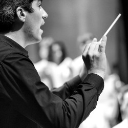 July 26th | 8.30pm –  String orchestra and choir of the Academy of the Festival