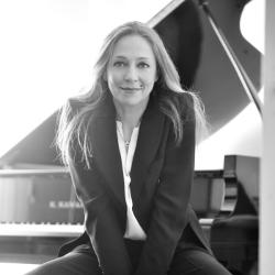 July 21st   8.30pm – Véronique Bonnecaze Piano Recital